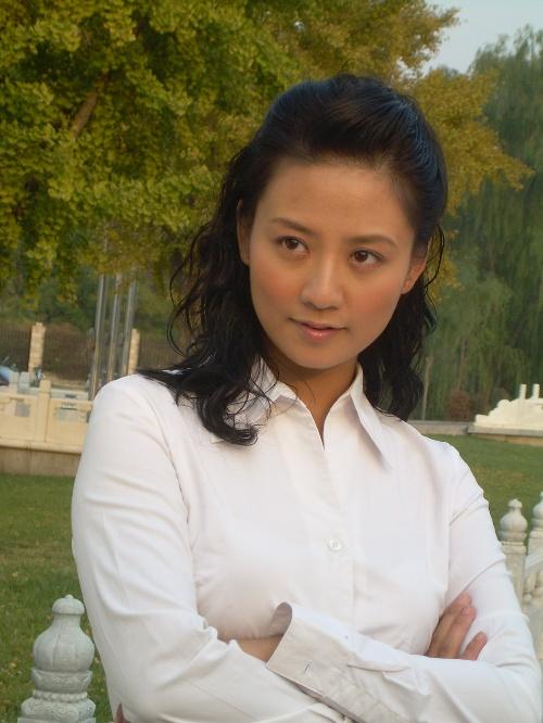 演员《真情无限---姐妹》女主角苏丽造型地址《宫