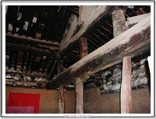 古建筑屋房梁正方形边框装饰